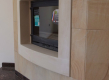 Ovaj kamin zaokružen je elementima bihacita, a ostatak zida obućen je u prekrasan prirodni pješćenjak Piedra Areniscas. Kako bi se zaštitio od oštećivanja na pod su montirani elementi granita  - aglomerata Red Paladino. Ugrađeno u stanu u Varaždinu.