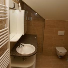 kupaonica u travertinu