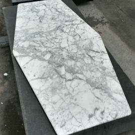 carrara ploča stola