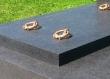 Karike za ovu grobnicu izradio je majstor u kućnoj radinosti.