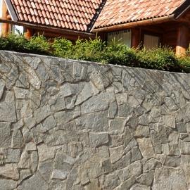 ogradna škarpa - zid u kamenu